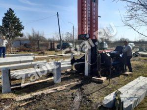свай ЛД 22 300x225 - Забивка свай Ликино-Дулево