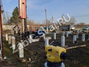 свай ЛД 24 300x225 - Забивка свай Ликино-Дулево