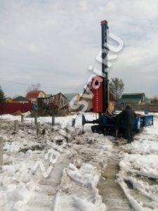 свай зимой в клинском районе 1 225x300 - Забивка свай в Клинском районе