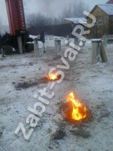 свай зимой в клинском районе 2 225x300 - Забивка свай в Клинском районе