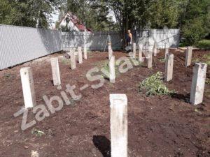 свай на даче Красное Софряково 2 300x225 - Забивка свай на даче в д. Софряково