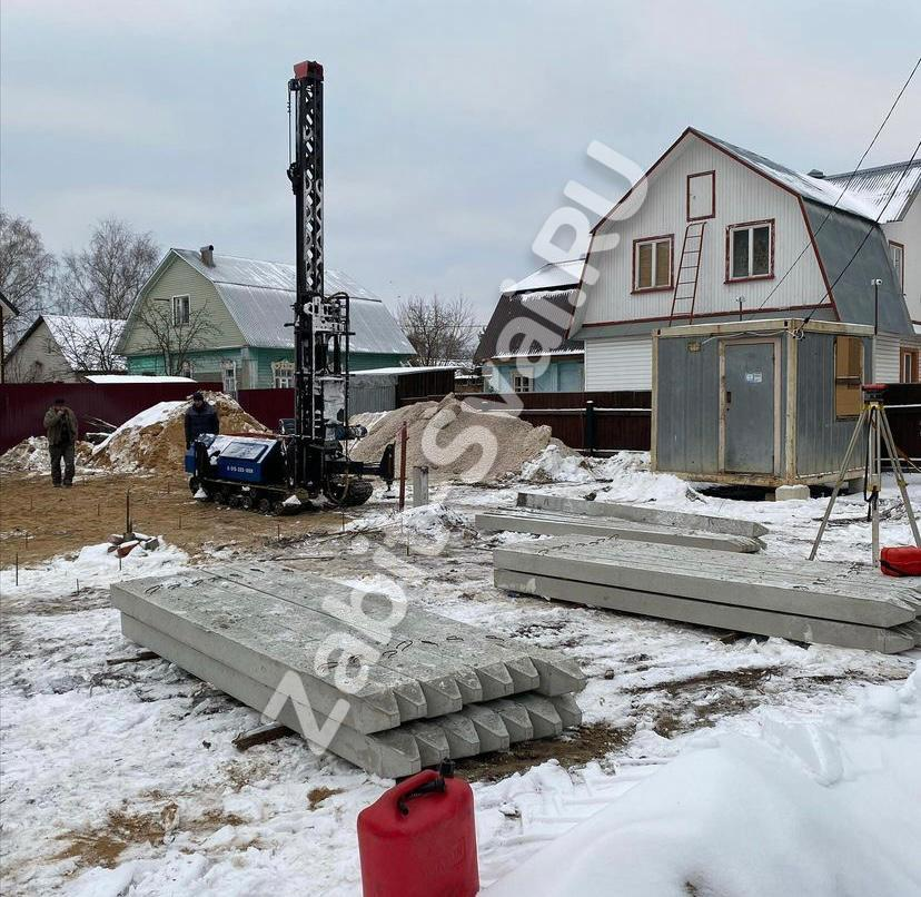 свай зимой 2021 года 2 - Забивка свай под каркасный дом зимой